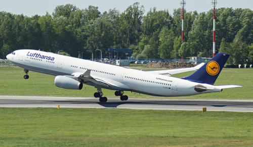 Odlot Airbusa A330 Lufthansy