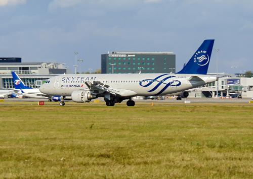 Srebrny Air France.