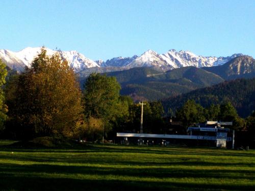 ośnieżone szczyty Tatr