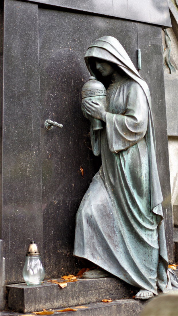 chyba najpiękniejszy pomnik na cmentarzu